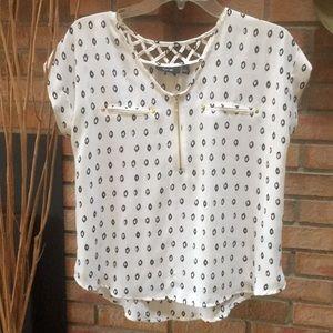 White Hi-Low Short Sleeve Blouse size S